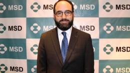 DR. ANDRES CARDONA ESPECIALISTA EN INVESTIGACIÓN CLÍNICA Y BIOLOGÍA MOLECULAR